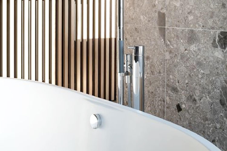 Badkamer in natuursteen
